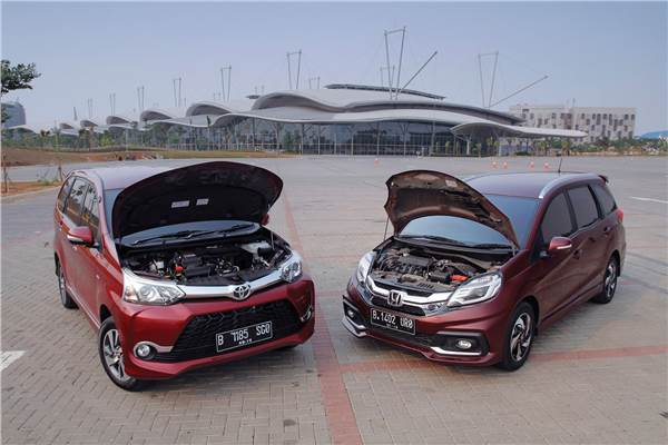 Bbm Untuk Grand New Avanza Grey Perbandingan Konsumsi Honda Mobilio Melawan Veloz Dual Vvt I Vs Vtec Mana Yang Terbaik