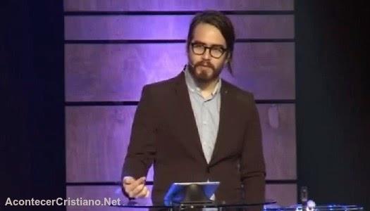 Prédicas del hijo de Jesús Adrián Romero