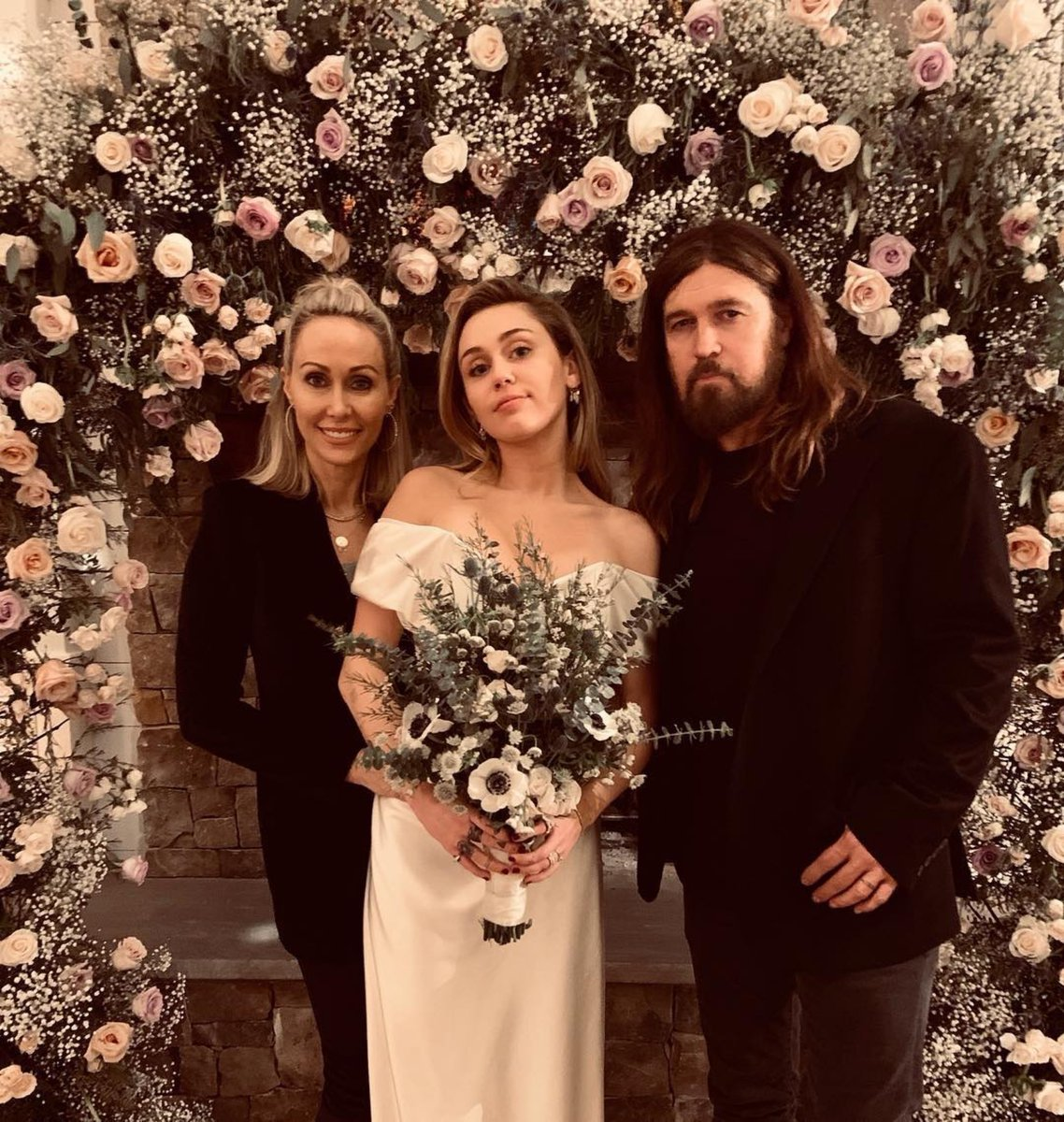Miley Cyrus and Liam Hemsworth wedding photos