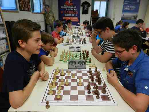 Alexis Cahen, 16 ans, milite pour rajeunir l'image des échecs