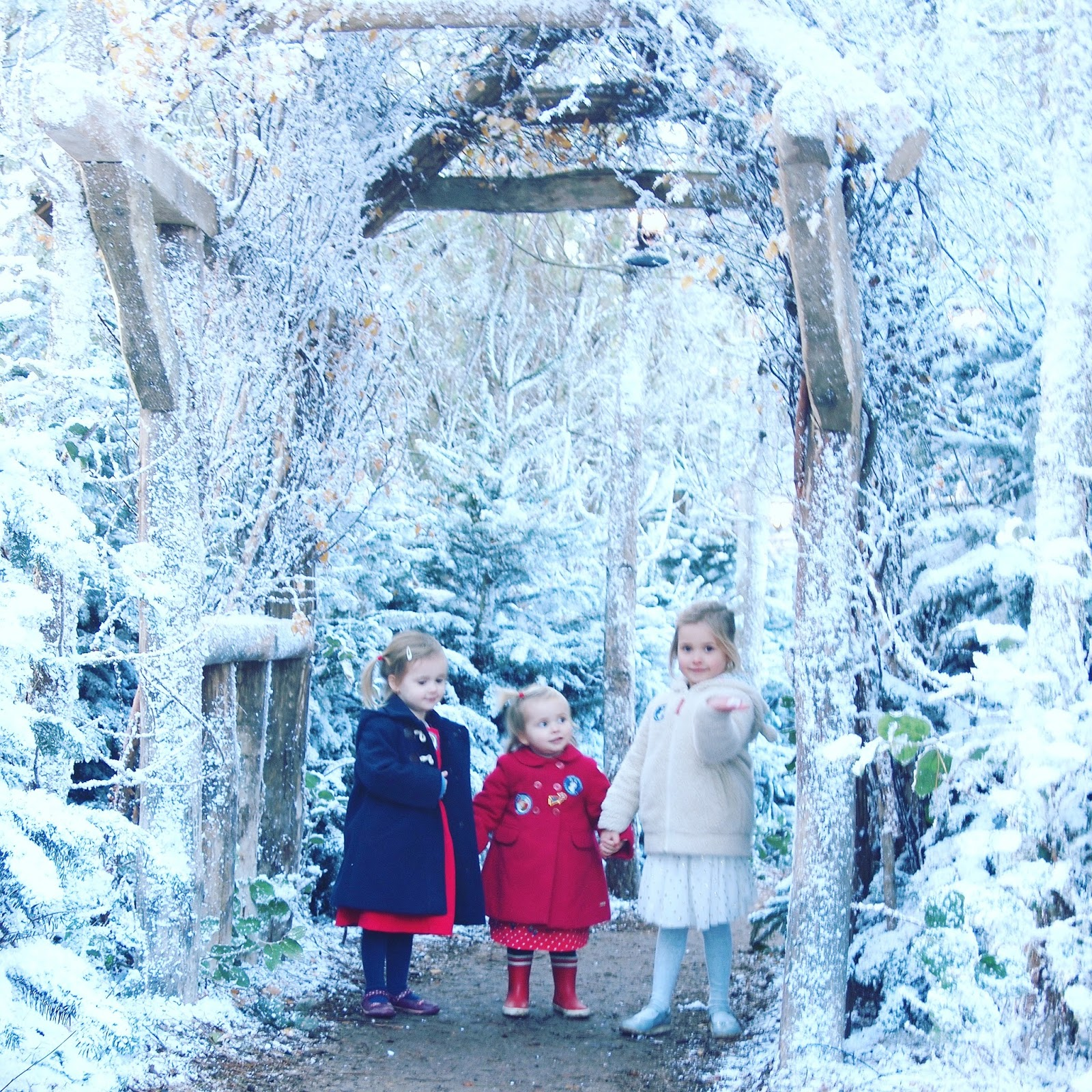 3 little ladies and me: A Magical Day At Lapland UK
