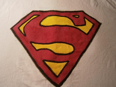 malowanie bluzek DIY frabami do tkanin - Superman