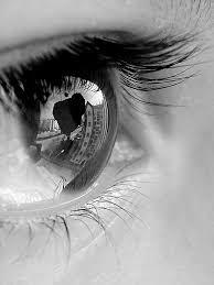 Jangan Sampai Pandangan Duniamu Menutupi Pandangan Hatimu / catatanadiwriter.blogspot.com / catatan adi