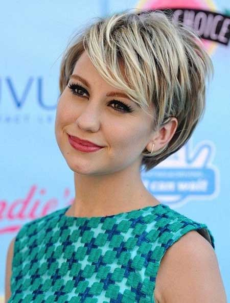 Best Short Hairstyles For Women With Round Faces