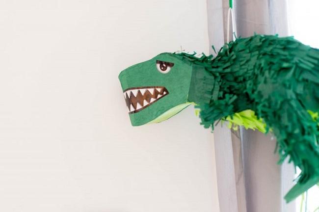 pinata-dinosaurio