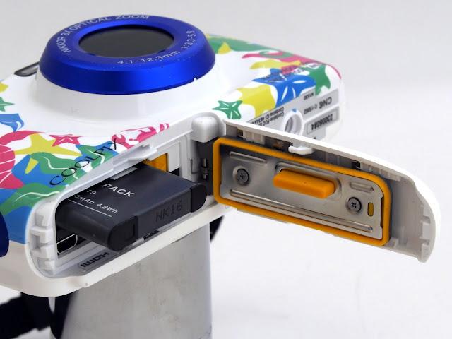 本格的な子供用デジタルカメラ!COOLPIX W100は簡単に操作できて防水防塵で頑丈。プレゼントにも最適