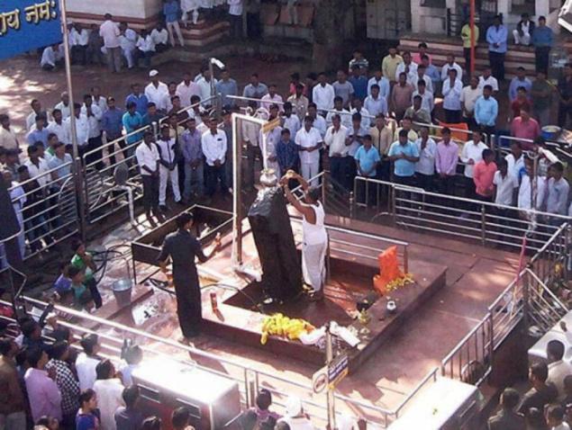 HC के आदेश के बाद भी महिलाओं को नहीं मिली शनि शिंगणापुर मंदिर में एंट्री