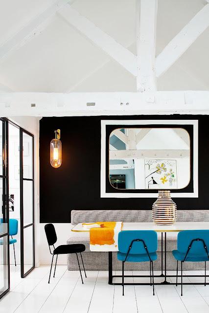 Salle à manger design noir, blanc, bleu vintage