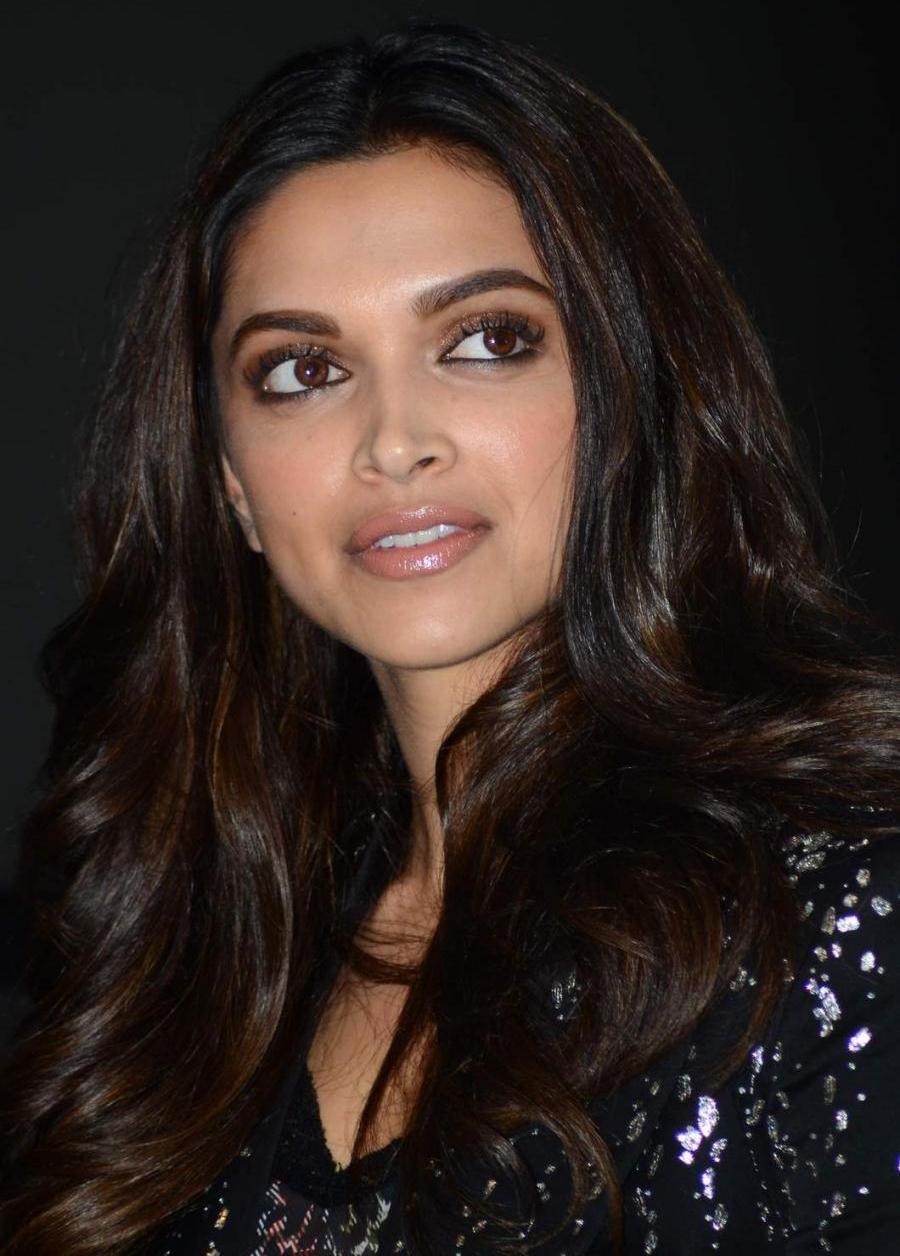 Deepika Padukone Smiling Face lose Up Long Hair Photos