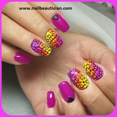 Hot nail art
