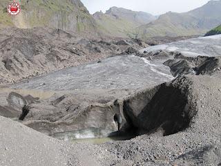 Excursión con crampones en glaciar Fallsjökull, Islandia. Hielo muerto