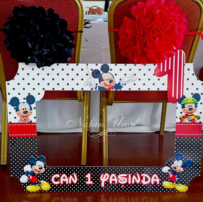 Mickey Mouse temalı hatıra çerçevesi