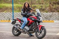 bayan akademisyenden Motosikletle dünya turu