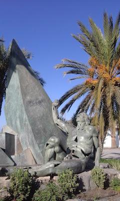 Seafront Statue, La Herradura