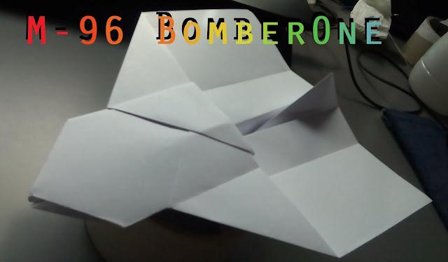 Avión de papel M-96 BomberOne