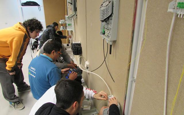 alumnos del taller de fibra optica IMAGEN COMUNICACION ILLESCAS