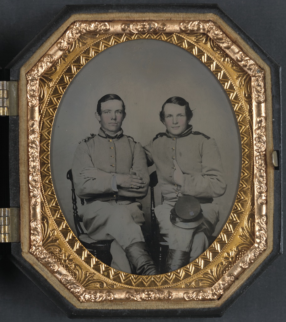 24 Rare Studio Portraits of Union and Confederate Soldiers With Their Friends During the American Civil War