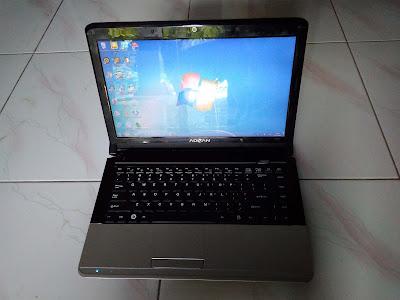 laptop bekas merk Advan Soulmate harga 800rb murah