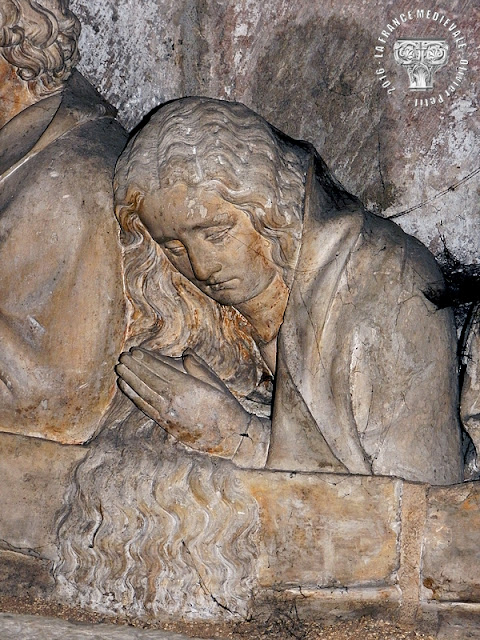DIJON (21) - Mise au tombeau (XVe siècle)