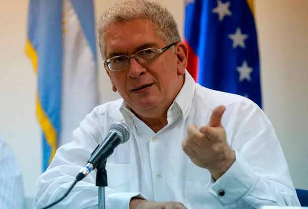 Roy Daza (Psuv): Hay que parar la emisión de dinero inorgánico y aumentar la gasolina a precios internacionales