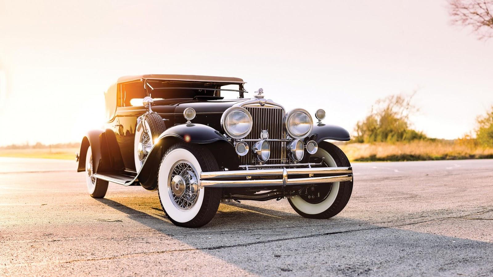 1931 Stutz DV-32 Convertible Victoria: $1,100,000