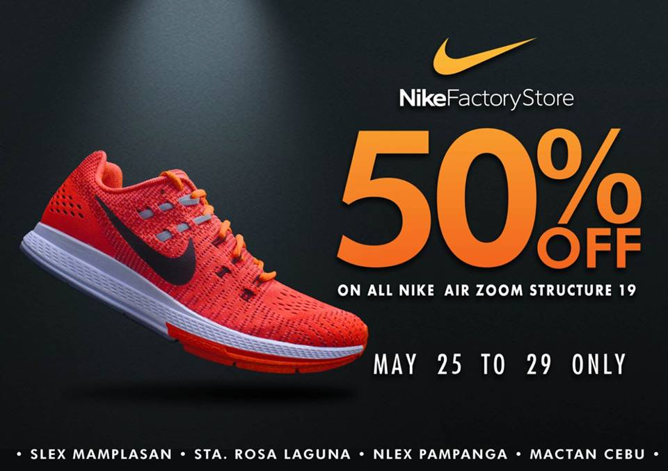 6c8c3cfc4 A deal you can't refuse - 50% off on the Nike Air Footscape Woven at Nike  Factory Stores.