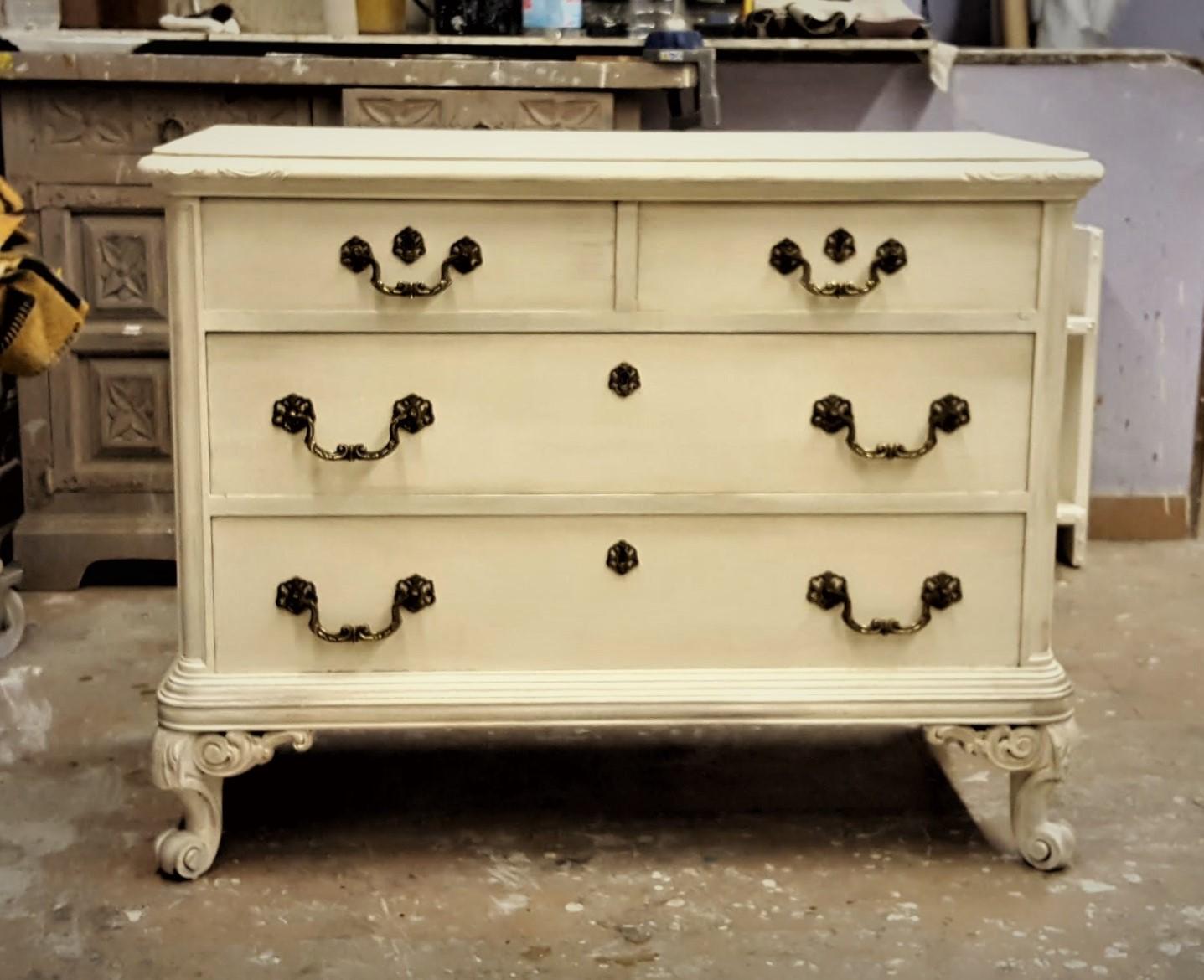 Candini muebles pintados nuevos y redecorados el - Muebles blanco decapado ...