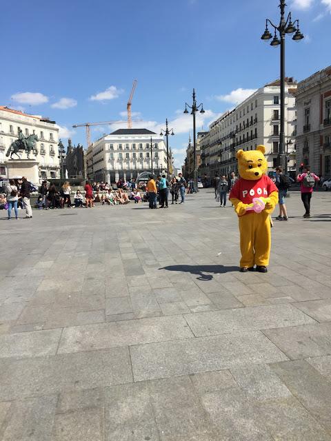 Winnie The Pooh en la Puerta del sol