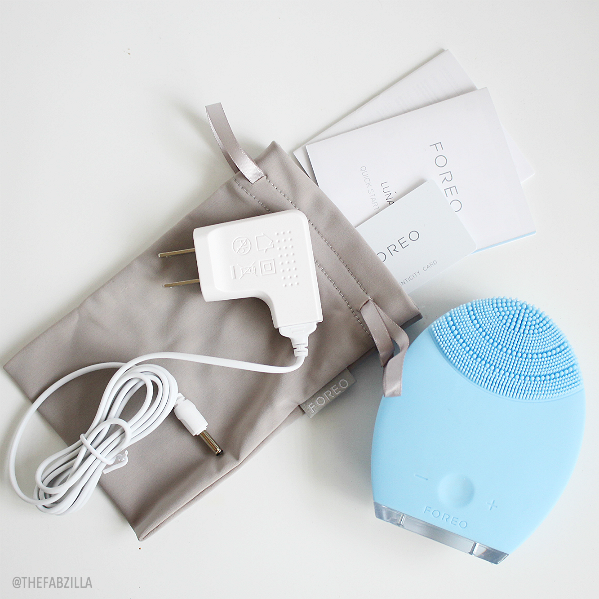 foreo luna cleansing and anti-aging device, review, skincare, clarisonic