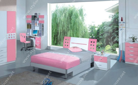 Stylish pink bedroom for stylish house