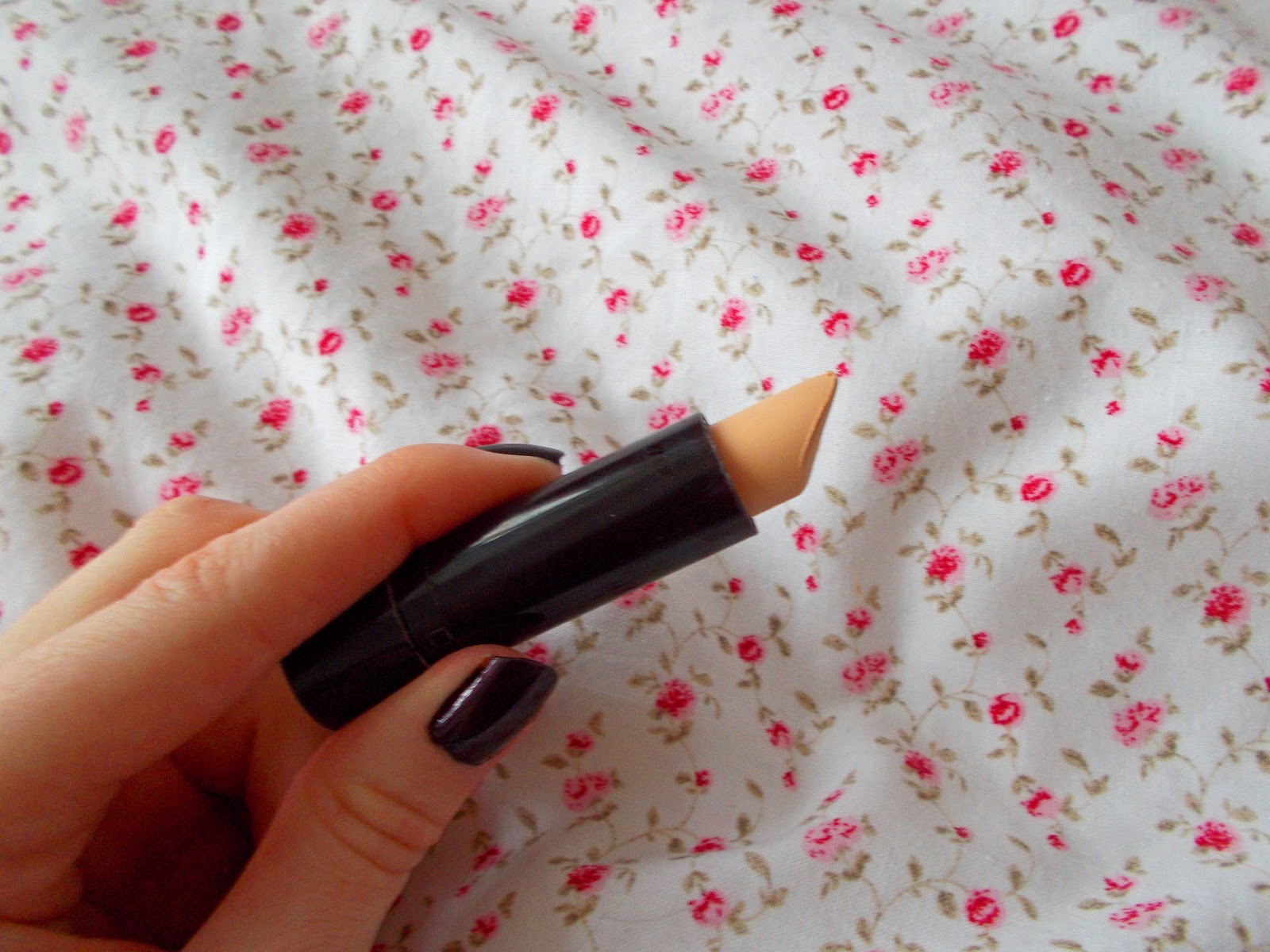 Rimmel Hide The Blemish Concealer up close