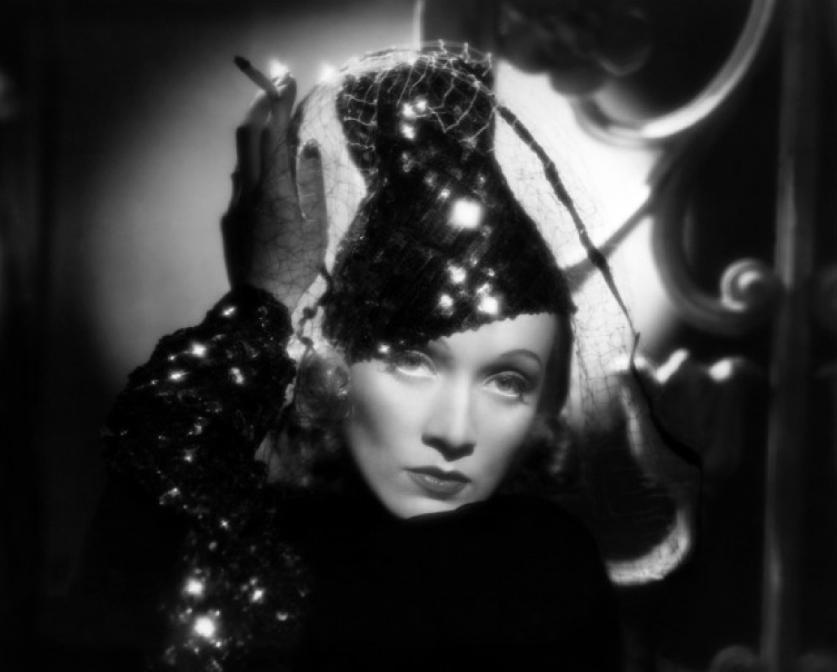 dazzling divas photo portret marlene dietrich. Black Bedroom Furniture Sets. Home Design Ideas