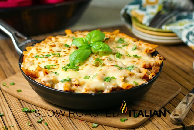 25 best meals to deliver to a friend 25 minute baked ziti skillet one pan and 25 minutes are all that stand between you and a magical bite of italian comfort food forumfinder Choice Image