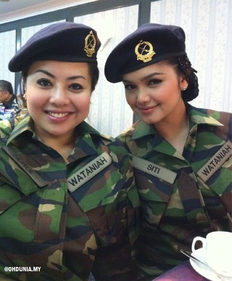 Nurulhidayah & Siti Nurhaliza