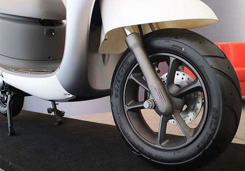 www.Tinuku.com Details of electric motorcycle Viar Q1