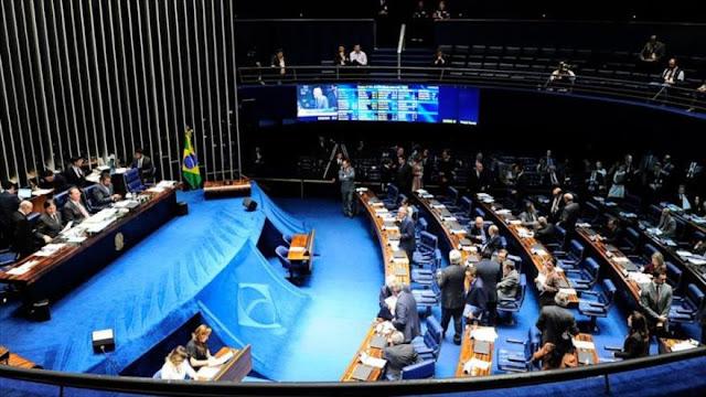 El Senado brasileño vota a favor del juicio político a Rousseff