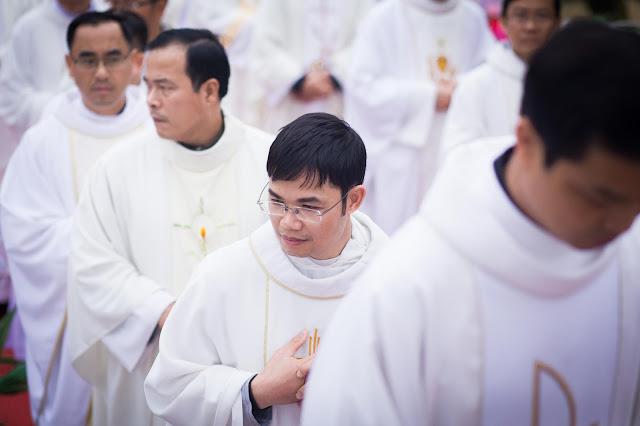 Lễ truyền chức Phó tế và Linh mục tại Giáo phận Lạng Sơn Cao Bằng 27.12.2017 - Ảnh minh hoạ 95