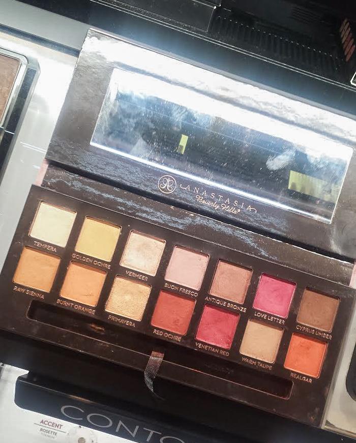 Anastasia Beverly Hills Modern Renaissance Eyeshadow Palette - Swatches