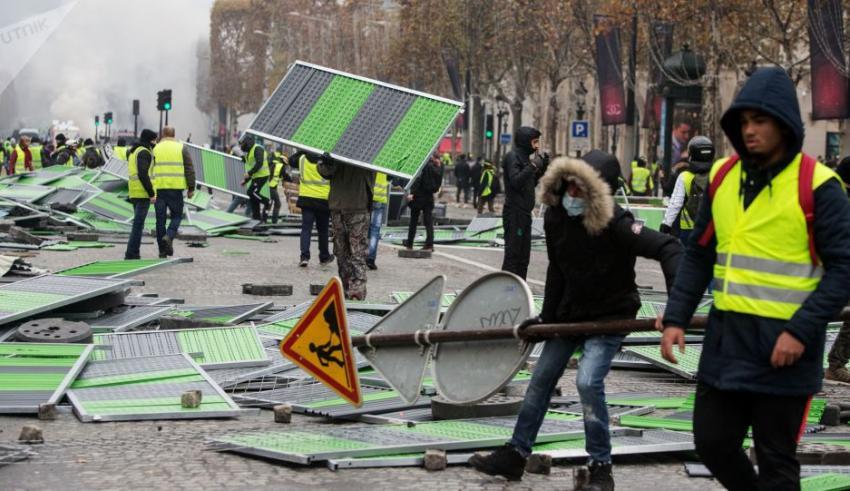 محلل سياسي : المس بجيوب المواطنين يخلف نفس ردود الفعل الاحتجاجية مهما كانت الدول