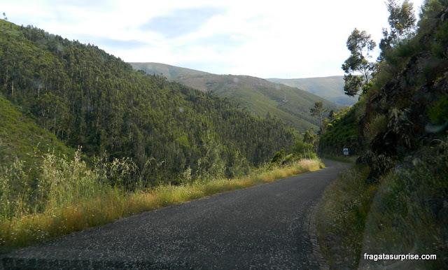 Estrada na Serra da Estrela - Portugal