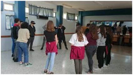 """Γυμνάσιο Κοτσοποδίου:""""Το θέατρο πάει … σχολείο"""""""