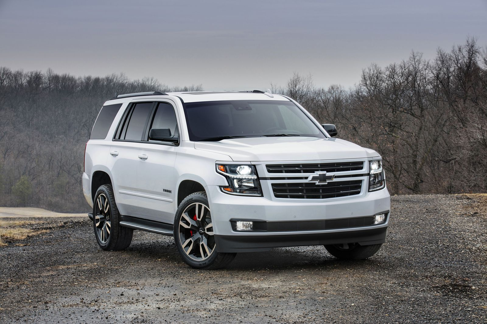 2018 chevrolet tahoe and suburban get sporty rst package. Black Bedroom Furniture Sets. Home Design Ideas