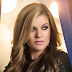 Kelly Clarkson confirma 'Invincible' como seu próximo single!
