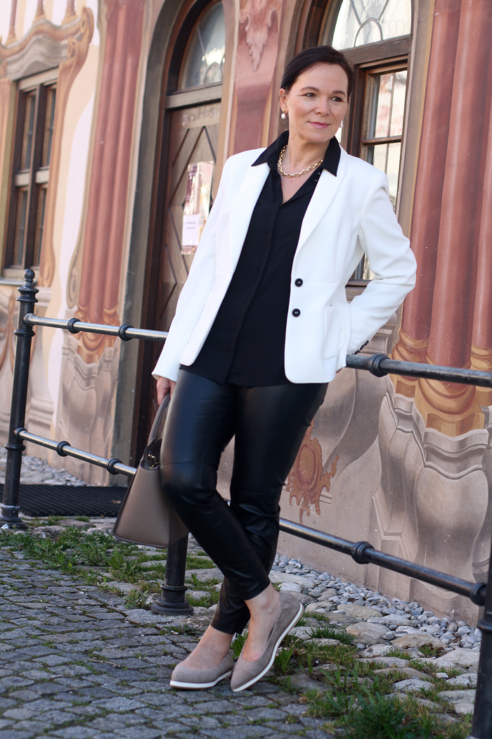 lässige eleganz in schwarz-weiss mit madeleine   lady of style, Hause ideen