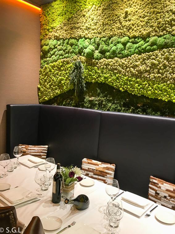 Comedor del restaurante Amaren. Comer en Bilbao