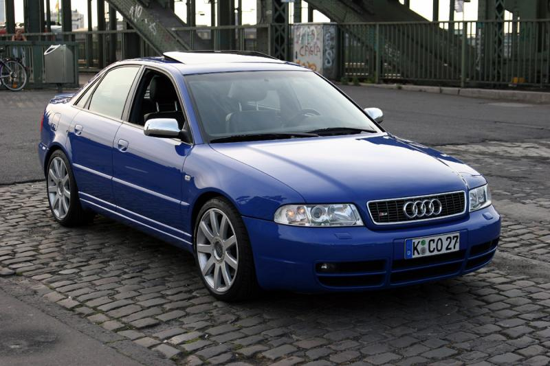 Autos World For All Audi 2001