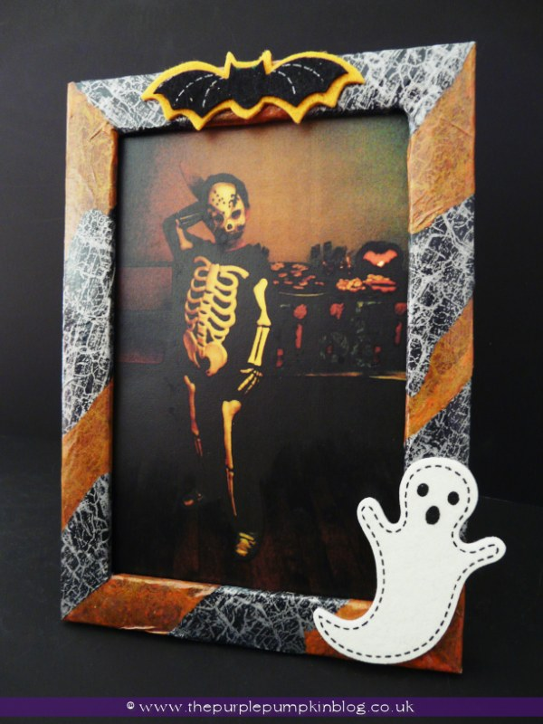 Decorate Your Own Halloween Photo Frames | The Purple Pumpkin Blog
