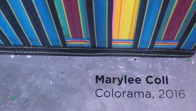 """Exposición """"Color en tres"""" en la imagen obra Colorama de Marylee Coll, Fotografía Gladys Calzadilla"""