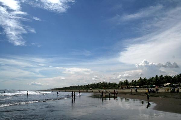 Pantai Jawa Tengah Terpopuler