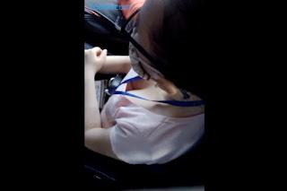Clip: Nữ sinh HUTECH thả rong khi đi xe buýt!